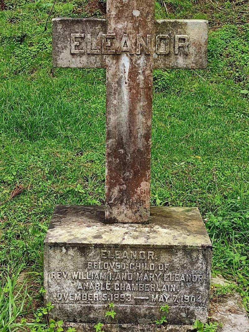 Eleanor Chamberlain's tombstone